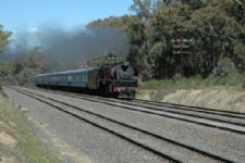 707 Operations train near Heathcote Junction. 15/10/2005. S.Hoptroff.